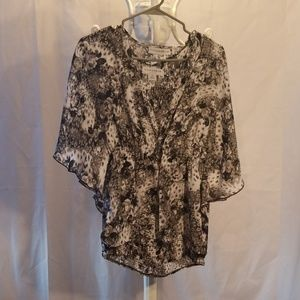 Sag Harbor 2 piece blouse with tank